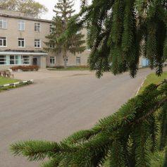 К Рославльской ЦРБ отремонтировали дорогу