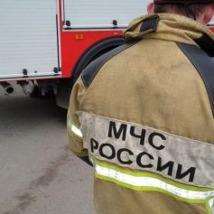 Тягач Mercedes загорелся на ходу в городе Вязьме