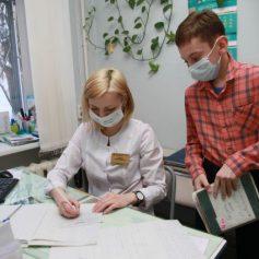 Карантин по ОРВИ объявили в 12 школах Смоленска