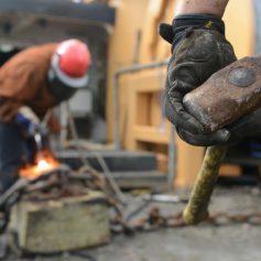 Житель Смоленска попал под подозрение в краже металла со стройки