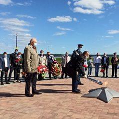 Смоленская АЭС: в честь 75-летия Победы в Десногорске зажгли мемориальный огонь