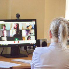 Выпускницы СмолГУ из Китая защитили выпускные работы в режиме онлайн