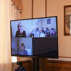 Алексей Островский провел встречу с сотрудниками и постояльцами Ярцевского дома-интерната
