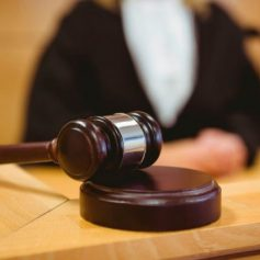 Смолянка ответит в суде по подозрению в убийстве сожителя