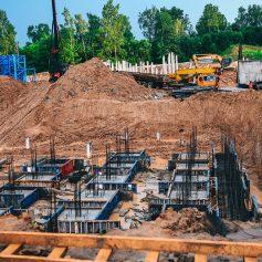 Подрядчик наращивает темпы строительства школы в микрорайоне Смоленска