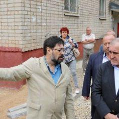 Сергей Неверов рассказал о подходе к благоустройству смоленских дворов