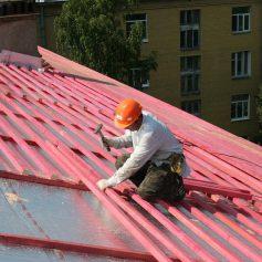 В Смоленске возбудили уголовное дело из-за несчастного случая на крыше дома