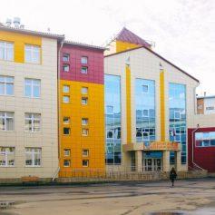 Алексей Островский проверил пристройку к школе № 33 в Смоленске