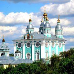 Смоленский Успенский собор вновь открыт для верующих