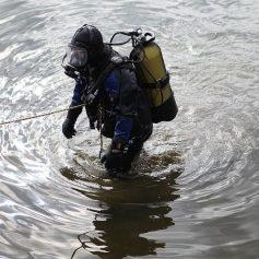 Пропавшего смоленского рыбака ищут водолазы