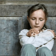 Смолянку лишили родительских прав за аморальный образ жизни