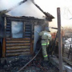 В Гагаринском районе «вспыхнула» хозпостройка