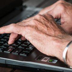 На Смоленщине работающим пенсионерам продлили больничные до 31 марта