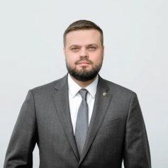 Артем Туров: в России формируется всеобъемлющая национальная политика поддержки семьи, материнства и детей