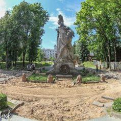 В Сквере Памяти Героев в Смоленске началось благоустройство