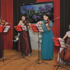 В Смоленске прошёл музыкальный салон «Хрустальные мелодии»