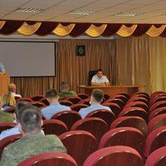 В Вяземском районе инспекторы ГИБДД провели профилактическую беседу с военнослужащими