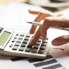 В Смоленске торговая компания нарушила права бухгалтера