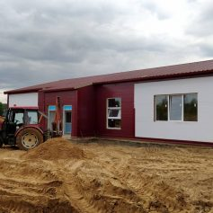 В Смоленской области строительство Исаковского дома культуры близится к завершению