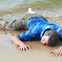 В Смоленской области росгвардеец реанимировал едва не утонувшего мужчину