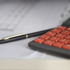 В сентябре смоленские налоговики, ГИБДД и судебные приставы провели 12 рейдов