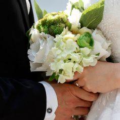 Смолянам разрешат жениться «досрочно»